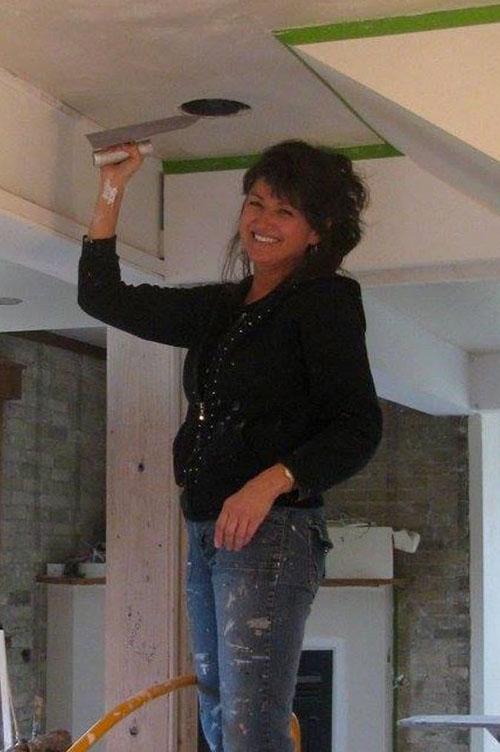 leanne swetlink working on ceiling